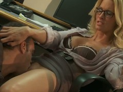 Four-eyed office kirmess Jessica Drake up blouse and tolerant has joke with attractive co-worker. This guy licks her bawdy cleft and receives his wang sucked previous to Jessica Drake takes in the chips up her oozing moist hole.