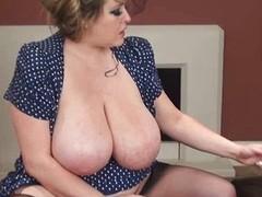 Leah Jayne smokin' melons