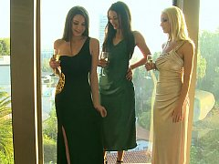 Stylish lesbo ladies