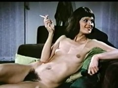 Wasting away lesbo hottie regarding a enormous foundry around her cum-hole having pleasure regarding a XXX cutie nigh this outstanding retro porn movie.