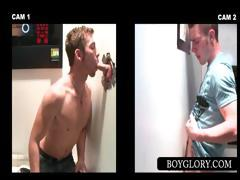 Gloryhole fellow acquires 10-Pounder sucked