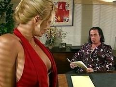 Blonde office doxy engulfing her boss retire from