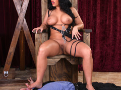 See a busty venerable hottie sitting the brush boodle out of reach of guy's facet