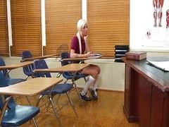 Blond schoolgirl acquires a fine lesson