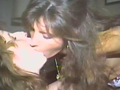 On target lesbo flashback with 2 retro sweethearts