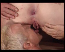 Pissing three-some with a redheaded BBW