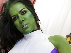 Thor likes fucking a horny feminine hulk slut